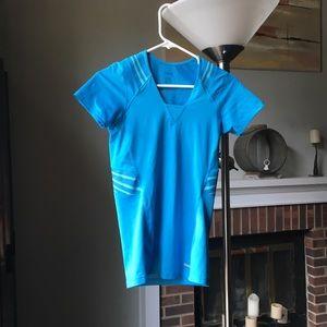 Reebok athletic shirt sleeve tee
